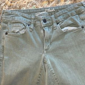 Universal thread skinny jeans olive green size 2